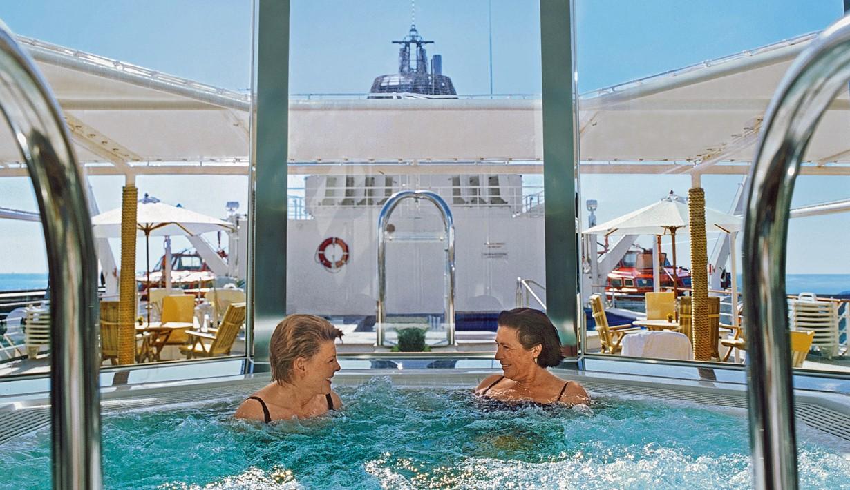 Antarctic Cruise Vessel MS-hanseatic