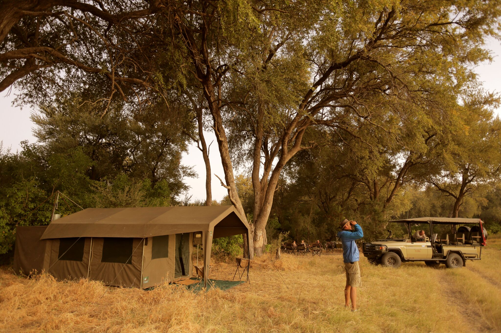 mobile-safari-tent