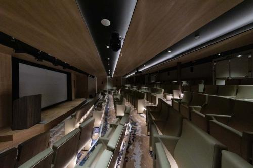 Quark Expeditions World Explorer Lecture Theater (3) (1)