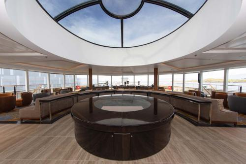 Quark Expeditions World Explorer Observation Lounge (2) (1)