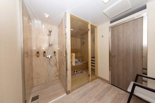 Quark Expeditions World Explorer Sauna (1) (1)